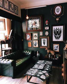 Victorum Tattoo Victorum Tattoo are a Tattoo Shop and Artist and are offering Custom and Color Tattoo services at Scottsdale Deutsch Entscheiden Sie s. Tatto Studio, Tattoo Studio Interior, Studio Studio, Studio Logo, Studio Design, Studio Ideas, Mural Tattoo, Tattoo Shop Decor, Barber Shop Decor