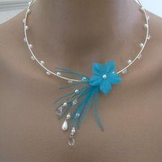 Collier bleu turquoise/blanc/cristal pr robe de mariée/mariage/soirée/cérémonie/coktail, perles nacrées fleur plumes original