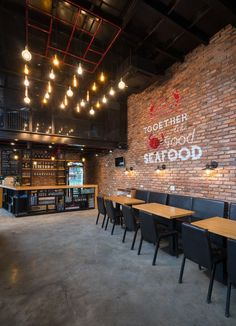 Images by Triệu Chiến. CRABSARK & CRAWFISH is a seafood restaurant which is located on the central of Vinh city. The restaurant has been made from combination of. Rustic Restaurant Interior, Decoration Restaurant, Deco Restaurant, Restaurant Concept, Industrial Restaurant Design, Restaurant Branding, Bistro Interior, Bistro Decor, Restaurant Restaurant