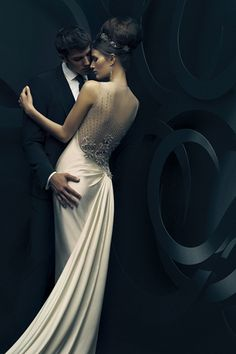 20 Wedding Dresses With Beautiful Back Details