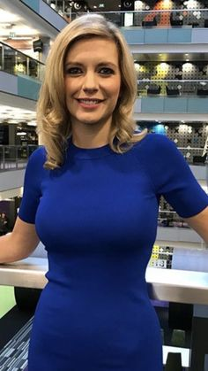 nice to meet you. Beautiful Old Woman, Beautiful People, Rachel Riley Legs, Rachael Riley, Tv Girls, Anna, Gorgeous Blonde, Tv Presenters, Blonde Beauty