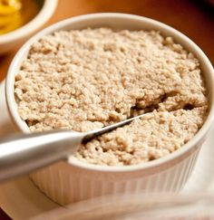Cretons du Québec ~ meat spread served on toast or ployes ( buckwheat pancakes ) and eaten either at breakfast, lunch or supper. Canadian Dishes, Canadian Cuisine, Canadian Food, Canadian Recipes, Pate Recipes, Cooking Recipes, Xmas Recipes, Cretons Recipe, Veal Meat