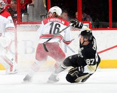 March 26, 2015 — Hurricanes 5, Penguins 2 (Photo: Getty Images)