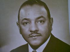 November 11, 1972 Carl T. Rowan, journalist, becomes the first African American elected to the 'Gridiron Club.'