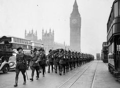 Australian Troops, Westminster Bridge, Westminster, London, SW1. c1940.