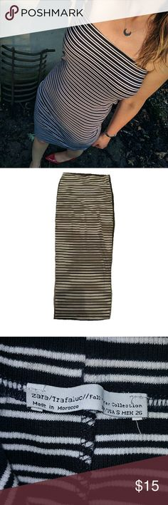 Zara bodycon dress or skirt - striped Adorable knit bodycon strapless dress by zara trafaluc with black and white stripes. Doubles as a midi skirt! Form fitting and stretchy. In like new condition. Zara Dresses Strapless
