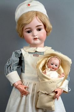 "*GORGEOUS* 29"" KAMMER & REINHARDT 191 in Fabulous ANTIQUE NURSE Outfit c1900 WITH TINY HERTEL & SCHWAB ANTIQUE BABY DOLL!"