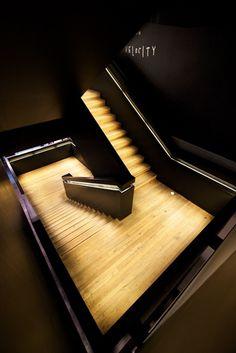 Fotografía Tate Modern stairs por Gerard Rodriguez Aneiros en 500px
