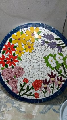 Best 12 Design Ideas for Mosaic Furniture Art Custom Stained Glass, Stained Glass Designs, Mosaic Designs, Stained Glass Patterns, Mosaic Patterns, Mosaic Garden Art, Mosaic Diy, Mosaic Crafts, Mosaic Projects