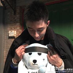 Johnny Huang  (From Johnny Huang 's weibo )