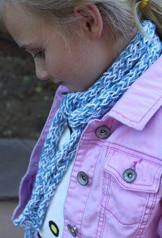 Toilet Paper Roll Knitting Idea #8: Summer Skinny Skarf | My Material Life