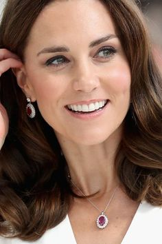 The New-In Section of Kate Middleton's Jewelry Box Will Make You See Dollar Signs celebrity jewelry The New-In Section of Kate Middleton's Jewelry Box Will Make You See Dollar Signs Kate Middleton Schmuck, Vestido Kate Middleton, Kate Middleton Jeans, Kate Middleton Earrings, Looks Kate Middleton, Princesa Kate Middleton, Royal Jewelry, Luxury Jewelry, Duchess Of Cambridge