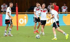 Chill Germany Team, Chill, Soccer, Sports, Hs Sports, Futbol, Sport, European Football, Soccer Ball