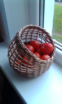 Wicker Baskets, Serving Bowls, Tableware, Kitchen, Decor, Wooden Animals, Hampers, Dinnerware, Cooking