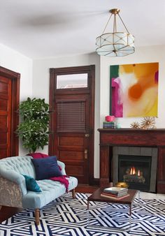 I'm not normally a fan of unpainted wood doors and trim, but I like this room.