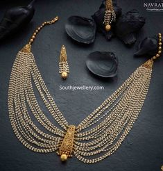 Jewellery Designs - Page 3 of 1647 - Latest Indian Jewellery Designs 2019 ~ 22 Carat Gold Jewellery one gram gold Small Pearl Necklace, Pearl Necklace Designs, Jewelry Design Earrings, Gold Jewellery Design, Necklace Set, Gold Jewelry, Layered Necklace, Antique Necklace, Bohemian Jewelry