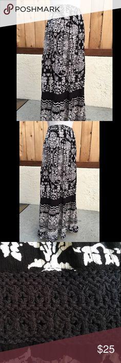Spotted while shopping on Poshmark: Black & White Maxi Skirt! #poshmark #fashion #shopping #style #Forbidden Los Angeles #Dresses & Skirts