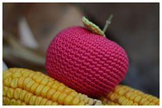 bandorka: Háčkované jablíčko Knitting, Crochet, Tricot, Breien, Stricken, Ganchillo, Weaving, Knits, Crocheting