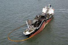 Rogue Wave, Ship Breaking, Abandoned Ships, Old Boats, Seafarer, Shipwreck, Model Ships, Water Crafts, Battleship