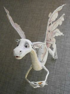 paper mache dragon - how awesome is this? Such delicate work. Paper Mache Projects, Paper Mache Clay, Paper Mache Sculpture, Paper Mache Crafts, Sculpture Art, Art Projects, Clay Dragon, Dragon Art, Fantasy Creatures
