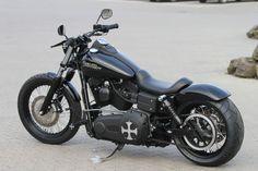 Customized Harley-Davidson Street Bob by Thunderbike Customs Germany More