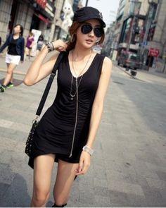 Black Sleeveless Korean Fashionable Summer Blouse with Decorative Zip 1