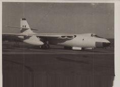 Vickers Valiant, Air Force Aircraft, Aircraft Photos, Army & Navy, Royal Air Force, Military Aircraft, Planes, Aviation, Past