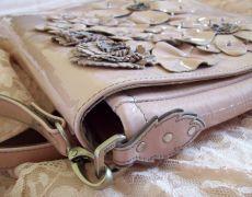 Gentuta /plic Valentino style floral bag  TM  Unicat   Vanduta Floral Bags, Rebecca Minkoff Mac, Suitcase, Valentino, Style, Fashion, Swag, Moda, Fashion Styles