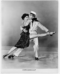 Google Image Result for http://www.c1n3.org/m/minnelli01v/Images/1953%2520Melodias%2520de%2520Broadway%25201955%2520(Fred%2520Astaire%2520y%2520Cyd%2520Charisse)%252001.jpg