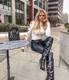 Twitter High Leather Boots, Leather And Lace, Leather Pants, Stiletto Boots, High Heel Boots, Boots Beauty, Legging, Stunning Women, Fashion Boots