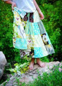 Yards and Yards: Free Pattern: Saturday Market Skirt Sewing Hacks, Sewing Tutorials, Sewing Crafts, Sewing Projects, Sewing Ideas, Sew Maxi Skirts, Sewing Patterns Free, Free Pattern, Knit Pencil Skirt