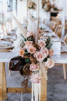 Romantic Wedding Decor, Floral Wedding, Perfect Wedding, Wedding Flowers, Wedding Reception Decorations, Wedding Table, Our Wedding, Dream Wedding, Wedding Ideas