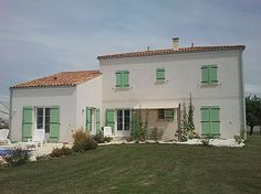 villa rental in Mortagne Sur Gironde, Charente-Maritime, Poitou-Charentes. Direct from owners. FR7839 near sea Villa, Holiday Lettings, Poitou Charentes, French Property, Mansions, House Styles, Outdoor Decor, Home, Manor Houses
