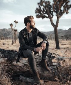 Outdoor Portrait Photography, Photography Poses For Men, Outdoor Portraits, Best Poses For Men, Good Poses, Male Models Poses, Male Poses, Photo Pose For Man, Mens Photoshoot Poses