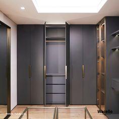 Wardrobe Design Bedroom, Bedroom Wardrobe, Wardrobe Closet, Open Plan Apartment, Wardrobe Door Designs, Bedroom Cupboard Designs, Modern Closet, Closet Layout, Dressing Room Design