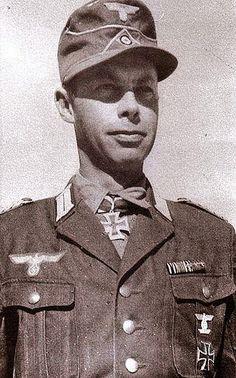 """Portrait du """"Oberstleutnant"""" Hans-Levin von Baby lors de la remise de la Ritterkreuz des Eisernen Kreuzes comme commandant du Schützen-Regiment 361 et chef d'un Kampfgruppe le 13 décembre 1941 ..."""
