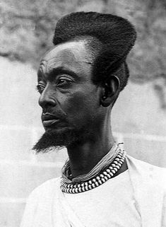 """""""You might think that your hair looks pretty fly, but chances are it's nothing compared to the Amasunzu. It's a traditionally Rwandan hairstyle that was once worn by men, as well as by unmarried women. Ethnic Hairstyles, Afro Hairstyles, Black Hairstyles, Human Evolution Tree, Tribal Hair, Traditional Hairstyle, Photo Vintage, Vintage Photos, My Hairstyle"""