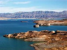 Beautiful Lake Mead located just outside of Las Vegas - there is so much to do - houseboating jet skiing fishing swimming. Lake Mead Nevada, Great Places, Places To See, Jet Ski Fishing, Las Vegas Vacation, Cliff Diving, Vacations To Go, Sea To Shining Sea, Seen