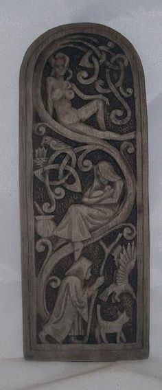 Triple Goddess Maiden Mother Crone Wall Plaque. Want.