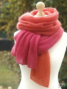 """Knit """"Morgenrot"""" airy scarf / stole - """"Morgenrot"""" luftige Schal/Stola stricken This fresh and airy stole is a real eye-catcher. Knitting Socks, Free Knitting, Free Crochet, Knitting Patterns, Mens Knitted Scarf, Norwegian Knitting, I Cord, Twist Headband, Wrist Warmers"""