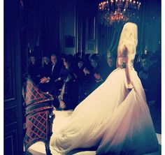 Beautiful wedding dress by Giambattista Valli Haute Couture