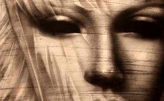 La Galeria El Claustre del carrer Nou, 10 de Girona presenta del 18 al 31 de març una exposició de l'artista Michela Crisostomi. La mostra serà presentada a