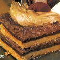Receta de pastel ruso, un postre con mucha historia que consiste en un pastel de almendras relleno de crema de mantequilla.