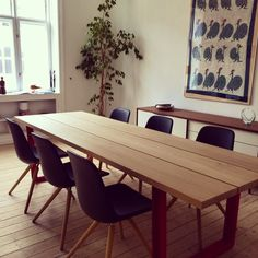 Great to see our MAIN diningtable in action. This one with Construction red legs and three planks in solid oak, almost brought directly from the forrest.