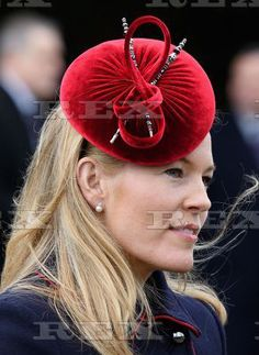 Autumn Phillips in red hat. Royal Christmas, Christmas Hat, Fascinator Headband, Fascinators, Wedding Hats For Guests, Autumn Phillips, Cocktail Hat, Love Hat, Pink Hat