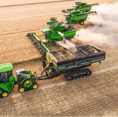Most Crazy Farm John Deere - New Holland - Massey Ferguson Old Tractors, John Deere Tractors, John Deere Equipment, Heavy Equipment, John Deere Combine, Tractor Pictures, Tractor Accessories, New Tractor, Combine Harvester