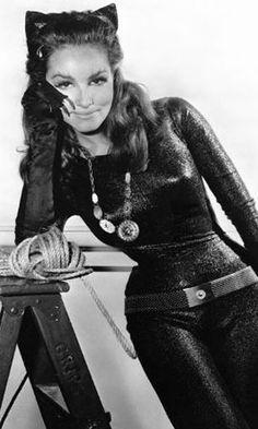 """Julie Newmar interpretou a felina na série """"Batman"""" dirigida por Bob Kane, entre 1966 e 1968"""