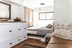 Not-so-handy couple turned a 1982 Windsor Statesman caravan into a blissfull holiday home. With a little help from dad - Not-so-handy couple turned a 1982 Windsor Statesman caravan into a blissfull holiday home. Decor, Tiny Living, Murphy Bed Plans, Remodeled Campers, Home, Interior, Bed Plans, Rv Living, Vintage Caravan Interiors
