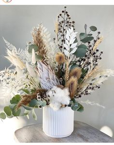 Dried Flower Bouquet, Dried Flowers, Art Floral Japonais, Vase Deco, Dried Flower Arrangements, Deco Floral, Ikebana, Flower Decorations, Boho Decor