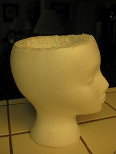 Soil Sister of the San Joaquin: The Head Gardeners...styrofoam wig head from Sally's Beauty supply to make a cement pot!